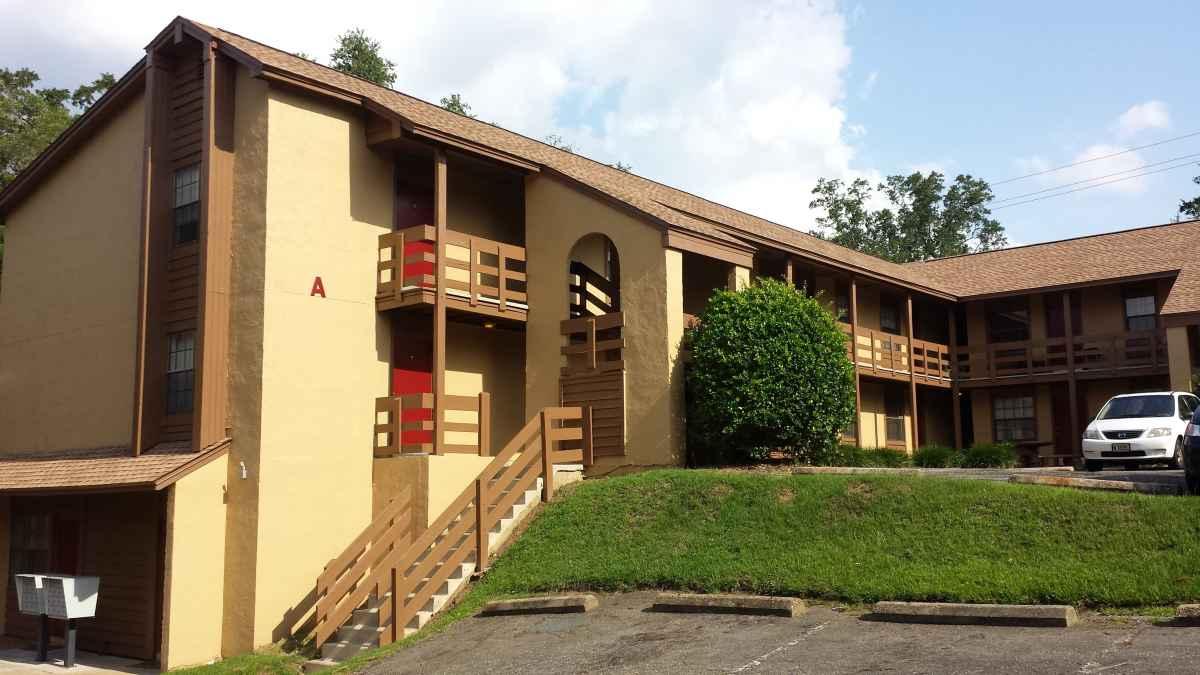 700 N. Calhoun Apartments B-9
